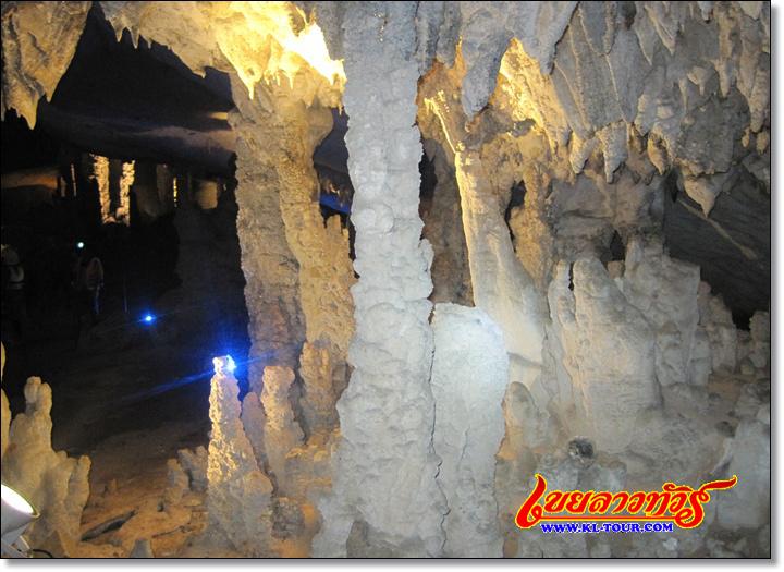 ถ้ำกองลอ เส้นทางถ้ำกองลอ ป่าหินปูนภูผาม่าน เมืองท่าแขก ลาวภาคกลาง