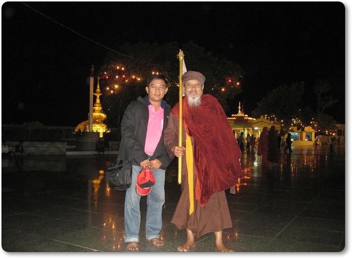 พระธาตุอินทร์แขวน ทัวร์พม่า เที่ยวเมียนม่า