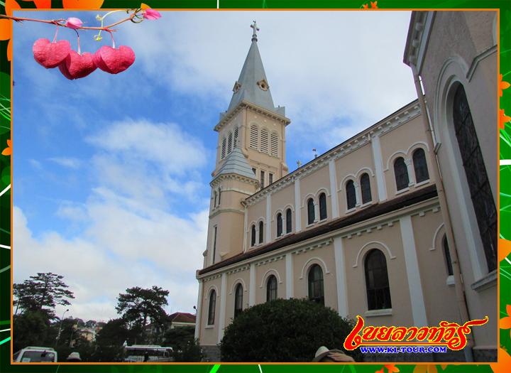 วิหารดาลัด โบสถ์ไก่ เมืองดาลัด เที่ยวเวียดนามภาคใต้